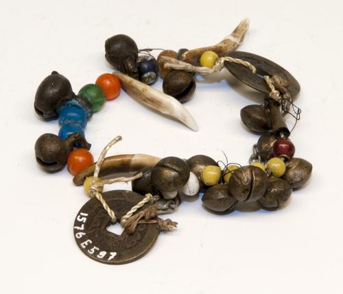 Armband met 13 rinkelbellen