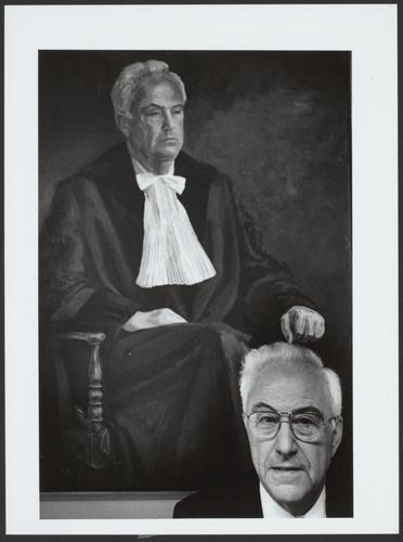 Portretfoto Prof.dr. S.G. van den Bergh