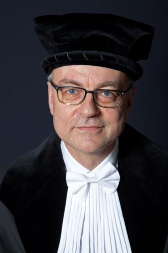 J. Raessens