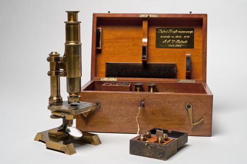 Microscoop van Ambrosius Arnold Willem Hubrecht