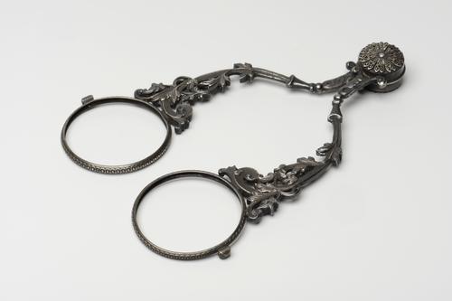 Gedecoreerde schaarbril