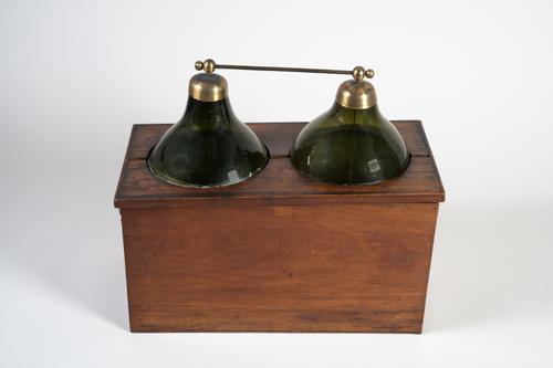 Batterij van twee leidse flessen