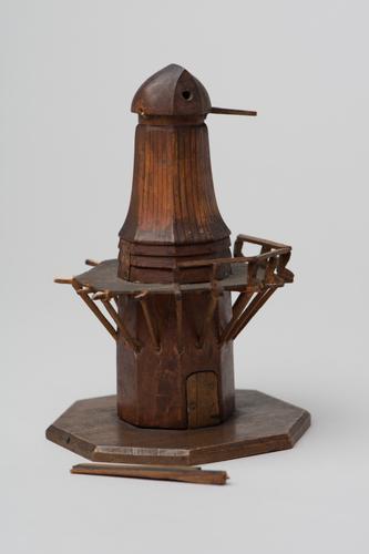 Model van een molen voor demonstratie van de bliksemafleider