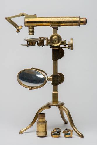 Microscoop door Amici