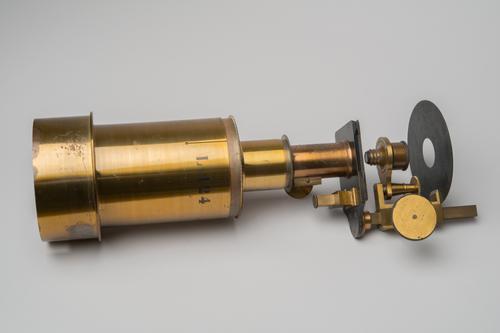 Projectiezonnemicroscoop