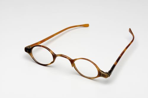 Slapenbril met hoornen montuur