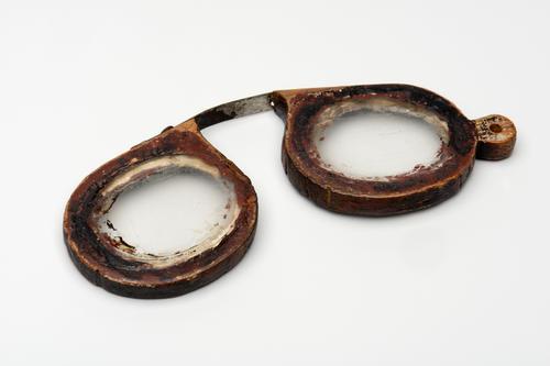 Knijpbril met houten montuur