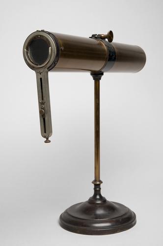 Optometer voor de bepaling van het astigmatisme