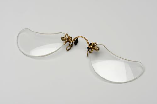 Knijpbril met ovalen glazen