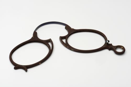 Knijpbril met rubberen montuur