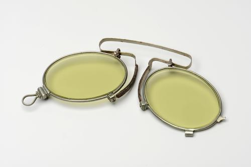 Opvouwbare knijpbril met getinte glazen