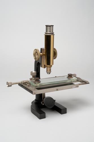 Trichinoscoop voor het onderzoeken van vleesmonsters