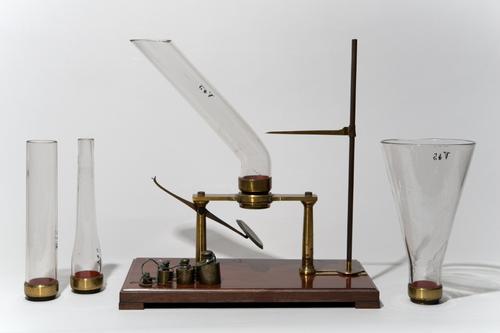 Instrument ter demonstratie van de hydrostatische paradox